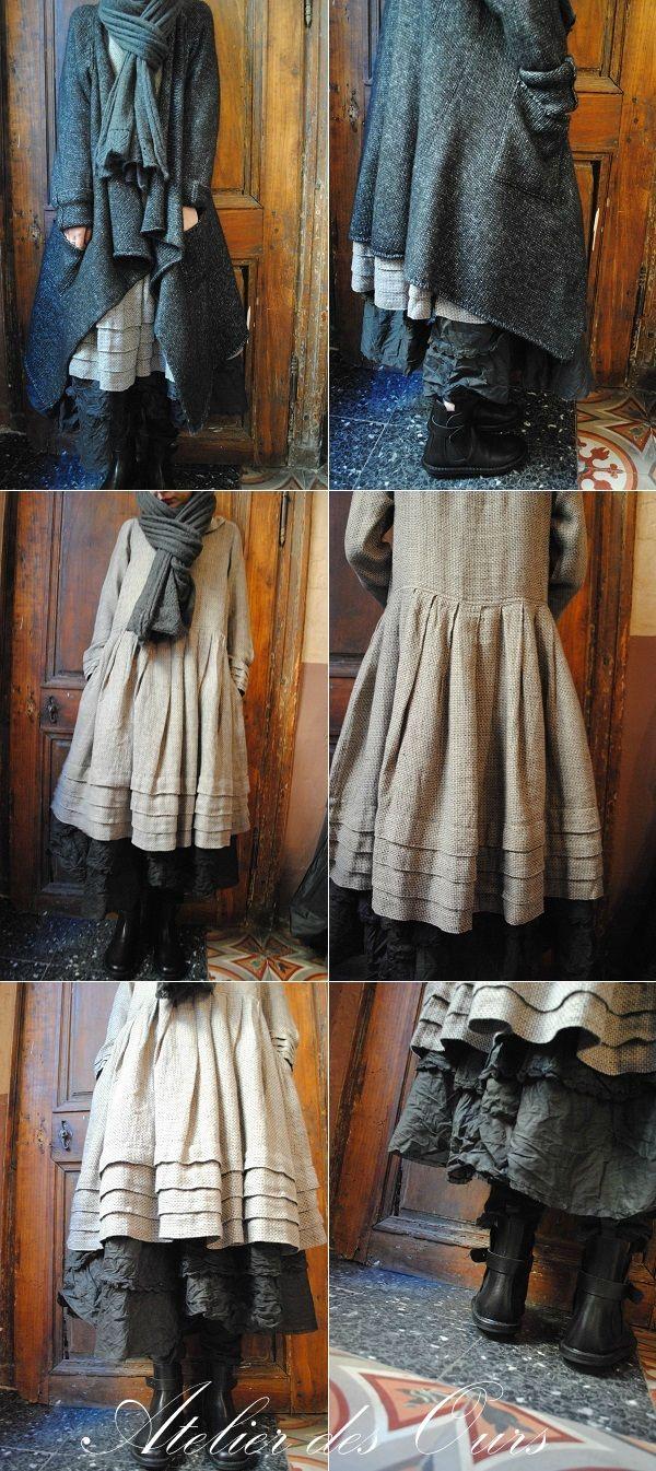 MLLE PRUNELLE : Gilet en laine chinée RUNDHOLZ, robe Aurea Vita, jupon Ewa IWalla, écharpe JAYKO - Atelier des Ours.