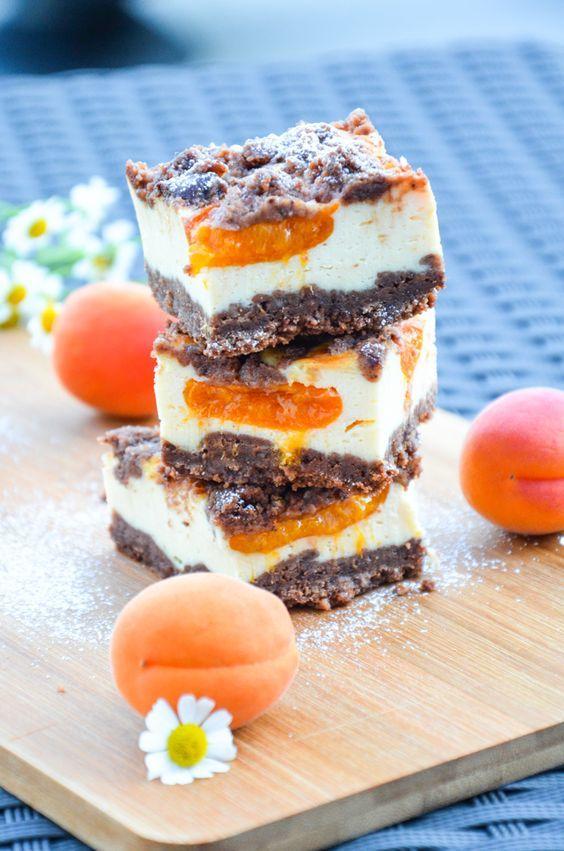 Schokolade - Marillen - Streuselkuchen: Schnell zubereitet, supersaftig, superlecker und auch noch etwas fürs Auge. Rezept zum Download verfügbar.