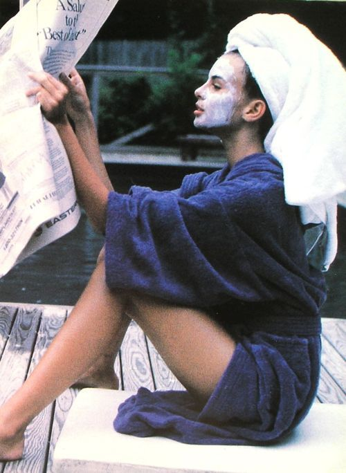 """Les Belles Estrangeres"", Elle France, July 1990  Photographer : Pamela Hanson  Model : Niki Taylor"