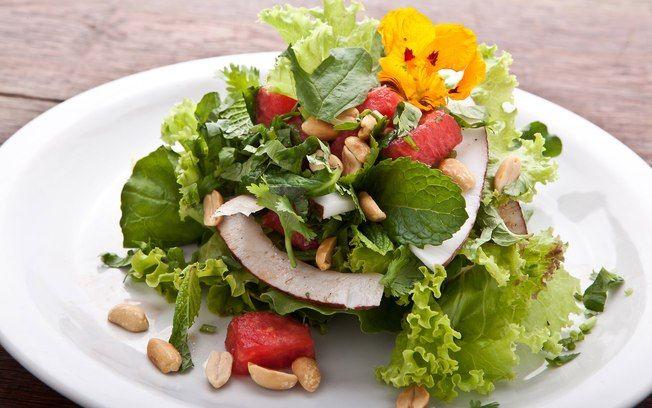 Receita de Salada thai de melancia - iG
