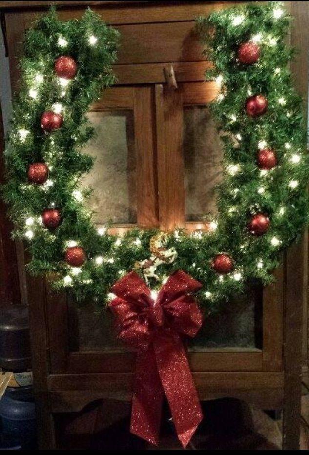 decorazione con ramo di pino 13