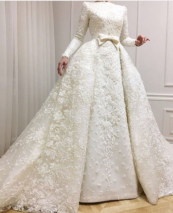 "9,557 Likes, 54 Comments - Couture Business Dresses Gowns (@couturebusiness) on Instagram: ""#fashion #fashionista #fashionpost #fashiongown #gown #gowns #couture #hautecouture #couturedress…"""
