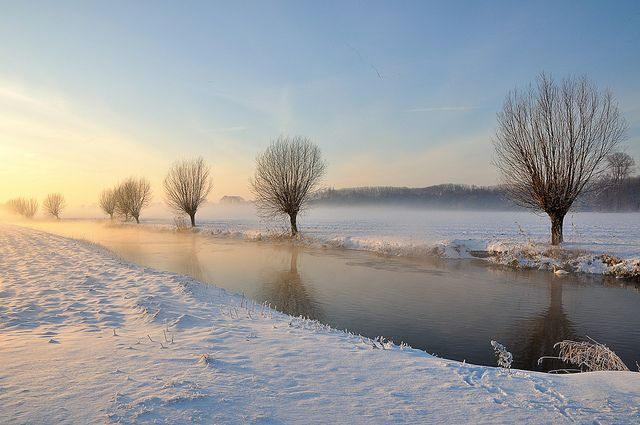 Brabants winterlandschap 2010 - Dutch winter landscape 2010 by RuudMorijn, via Flickr