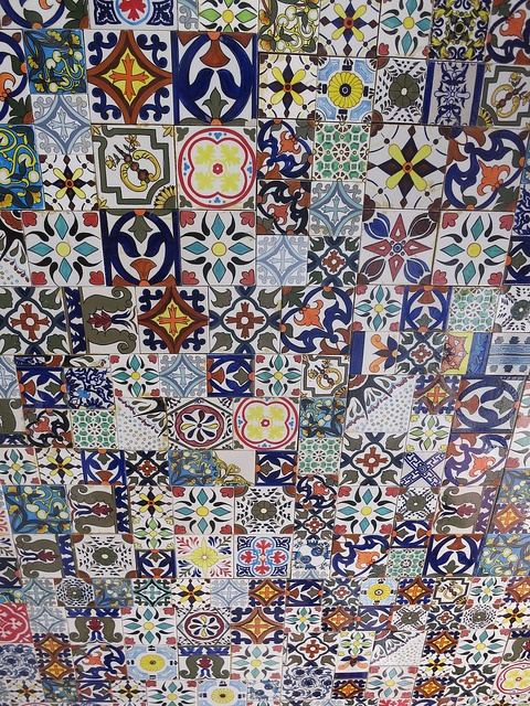 Love this ceiling!!! (Moroccan tile ceiling at Alhamra Restaurant, Marakesh Resort & Spa, Thailand)