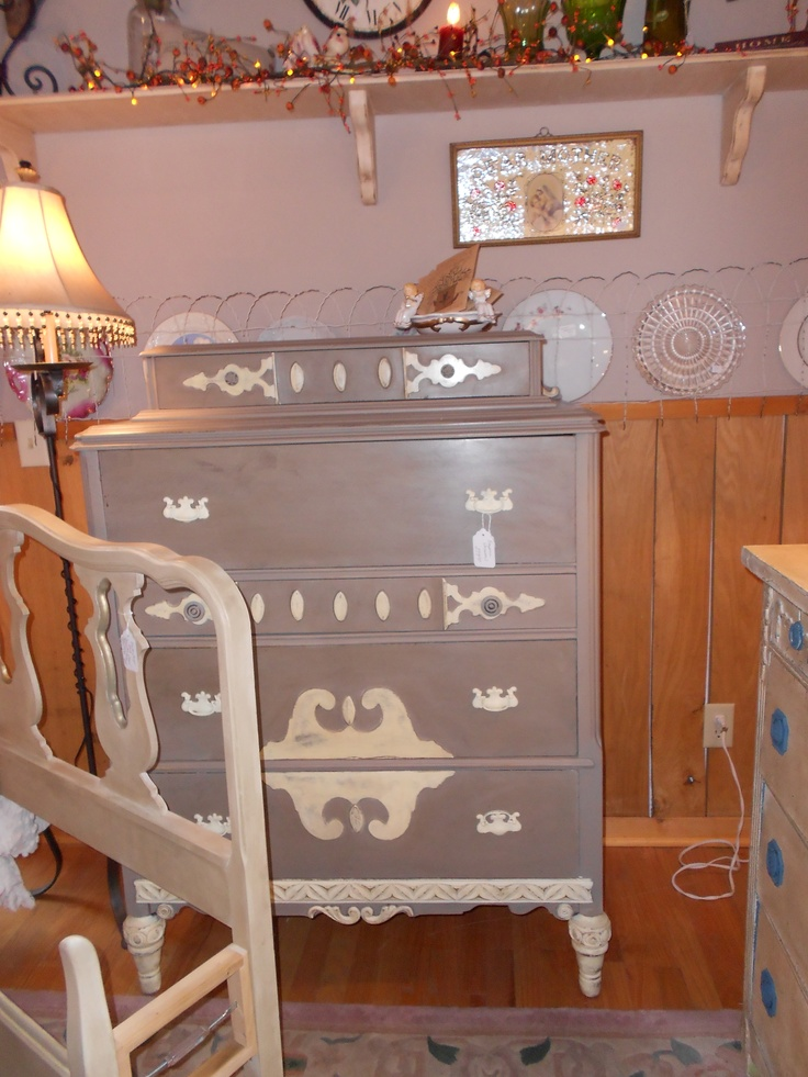 Cream and coco chalk paint decorative paint by annie for Chalk paint comparable to annie sloan