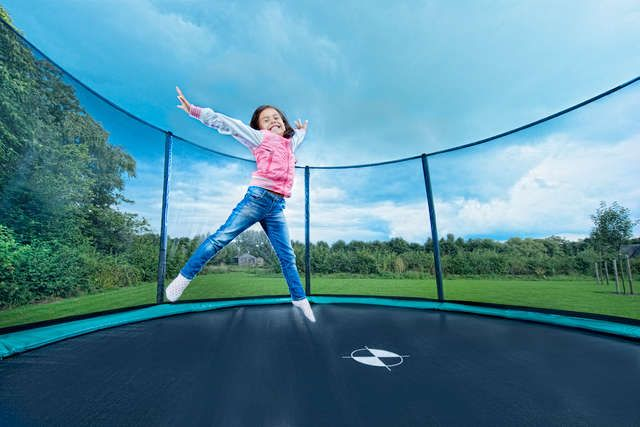 BERG Champion 14ft Trampoline + Safety Net Deluxe - Click Image to Close