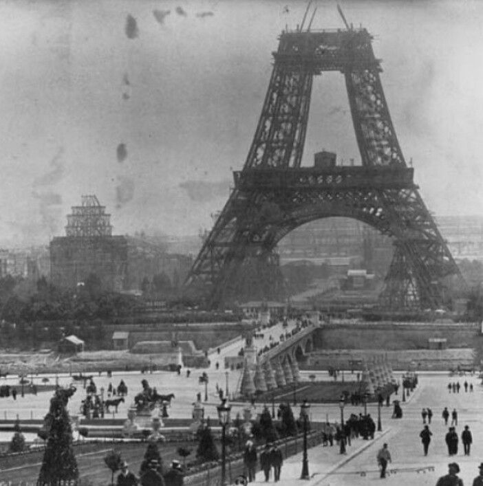Construction of the Eiffel Tower 1888
