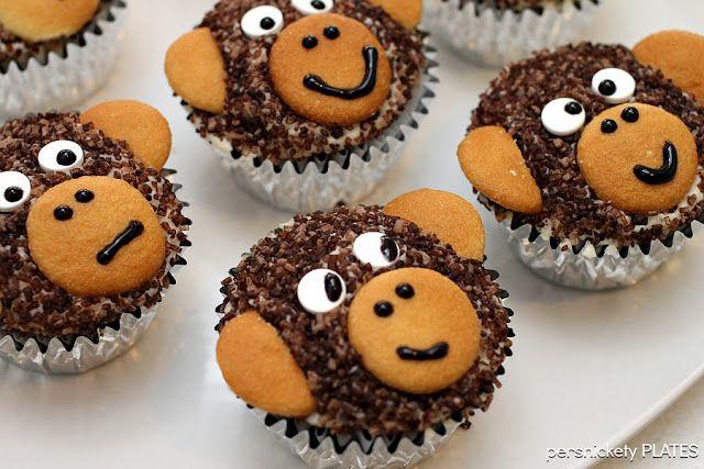 Monkey Cupcakes  on MyRecipeMagic.com #cupcakes #monkey