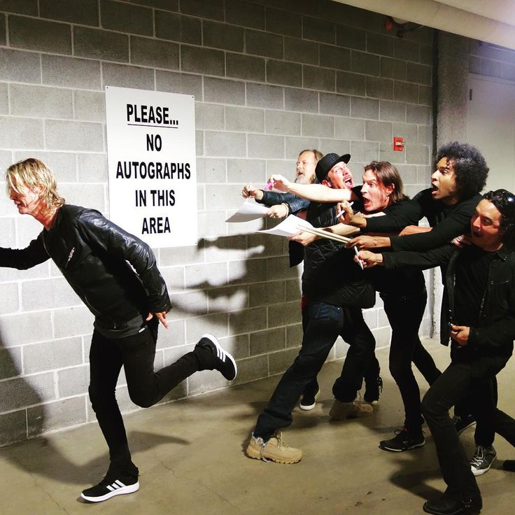 So hilarious!! Alice in Chains w/ Duff McKagan