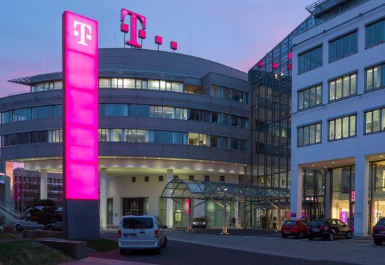 Telekom Rekordjagd bei Glasfaser geht weiter --4,6 Millionen Glasfaseranschlüsse -Telefontarifrechner.de News