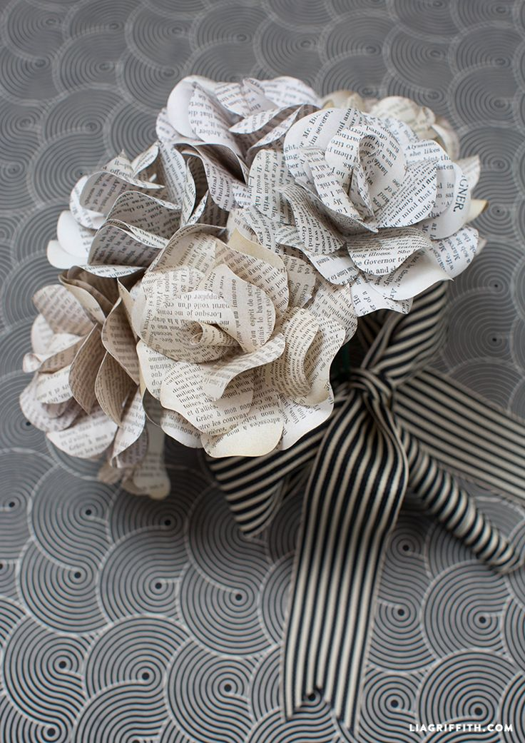 Vintage Book Page Flowers #diywedding www.LiaGriffith.com