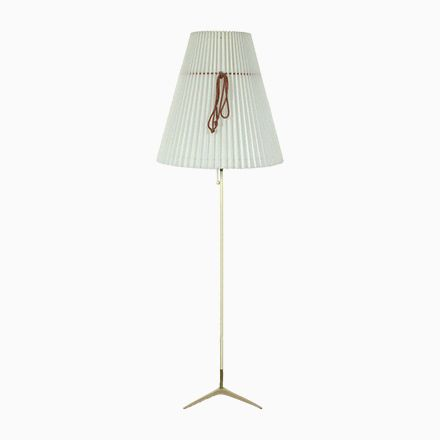 Vintage Dreibein Stehlampe mit Plissee Schirm, 1950er Jetzt bestellen unter: https://moebel.ladendirekt.de/lampen/stehlampen/standleuchten/?uid=5dad317f-79b9-5c4b-964c-e21b89b83c91&utm_source=pinterest&utm_medium=pin&utm_campaign=boards #stehlampen #leuchten #lampen