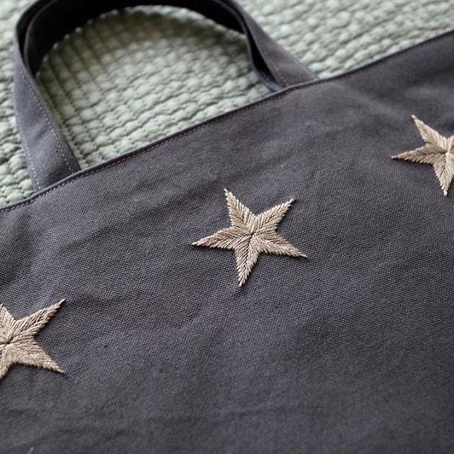 New embroidery . 生地も刺繍もNew‼️ カジュアルな生地、刺繍でフランス刺繍のコンサバさを取り除いてみました。 . #刺繍 #刺しゅう #embroidery #handstitch #handembroidery #レッスンバッグ #bag #お稽古バッグ #バッグ #入学準備 #入園準備 #学校用品 #星 #star