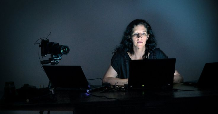 """How Laura Poitras Helped Snowden Spill His Secrets - NYTimes.com Snowden: """"I was surprised to realize that there were people in news organizations who didn't recognize any unencrypted message sent over the Internet is being delivered to every intelligence service in the world."""""""