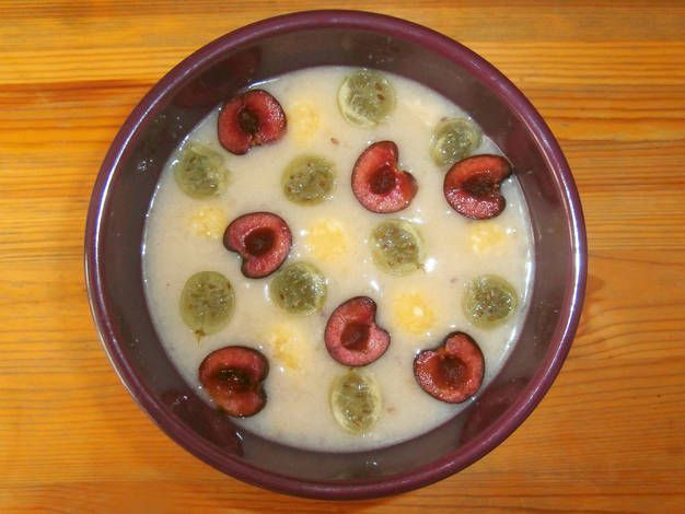Fűszeres egresleves recept túrógombóccal