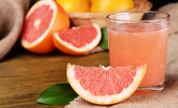 A kutatók is megdöbbentek a grapefruitlé hatásától. http://www.hazipatika.com/taplalkozas/fogyokura/cikkek/a_grapefruitletol_tenyleg_lehet_fogyni/20141015133527#ajanlo