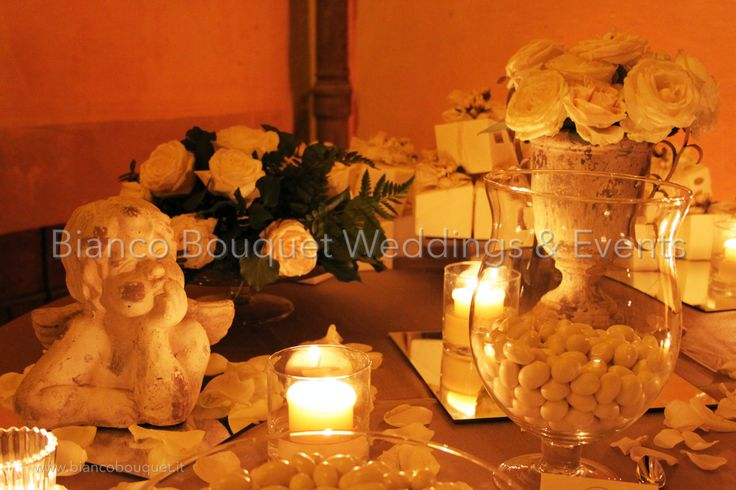 Confetti Table #tuscanywedding #confetti #weddingplanner #biancobouquet