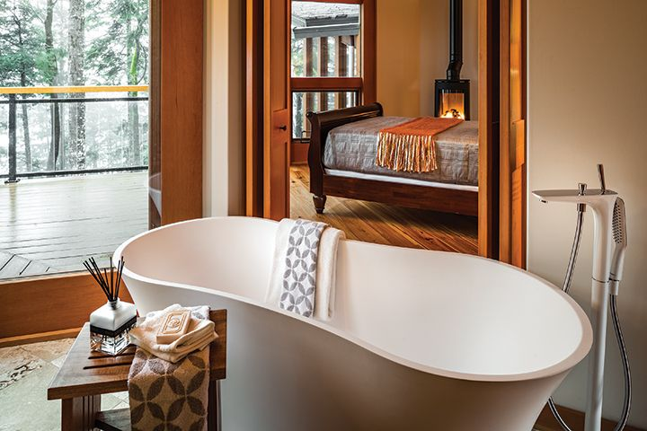 TOUR THIS PACIFIC PARADISE HOME - YAM Magazine - Bathroom Delight
