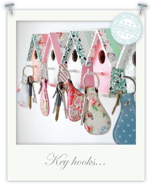 DIY Birdhouse Key Hooks from Torie Jayne: Keys Hooks, Ideas, Birds Houses, Birdhouses Keys, Bird Houses, Keys Holders, Diy, Keyhook, Crafts