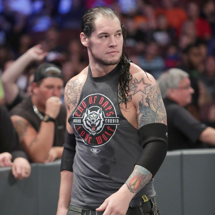 Apollo Crews vs. Baron Corbin: Fotos