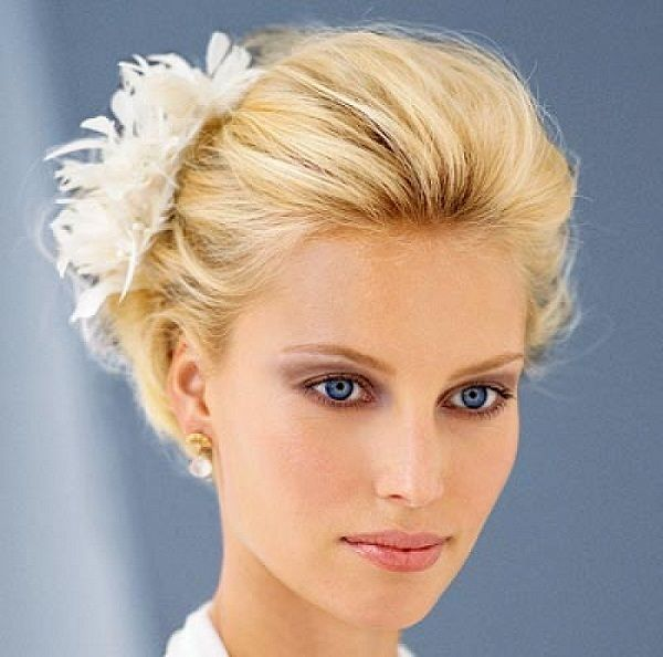 Beautiful Blonde Wedding Hairstyle For Short Hair