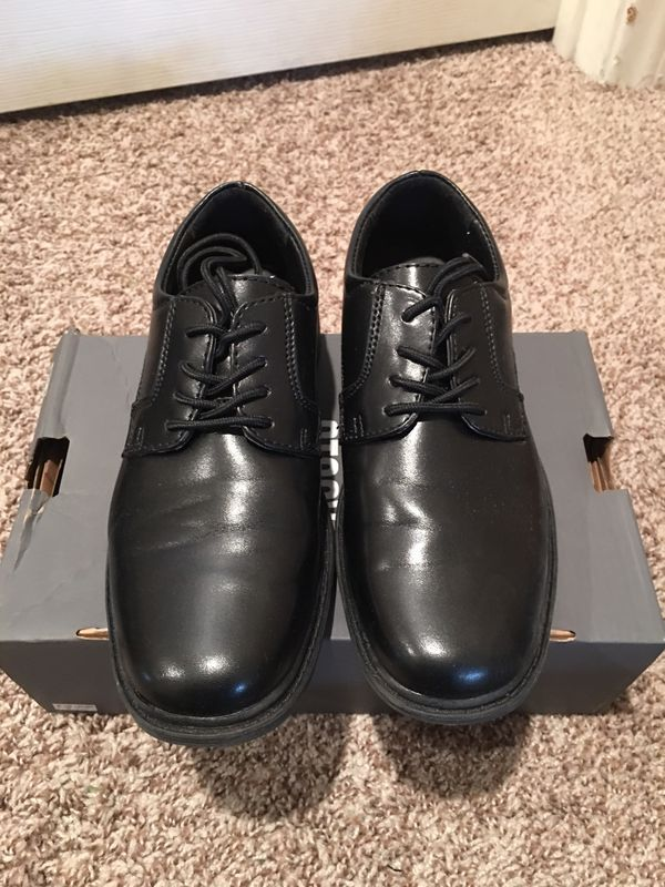 Boys size 3 Stacey Adams Dress Shoes
