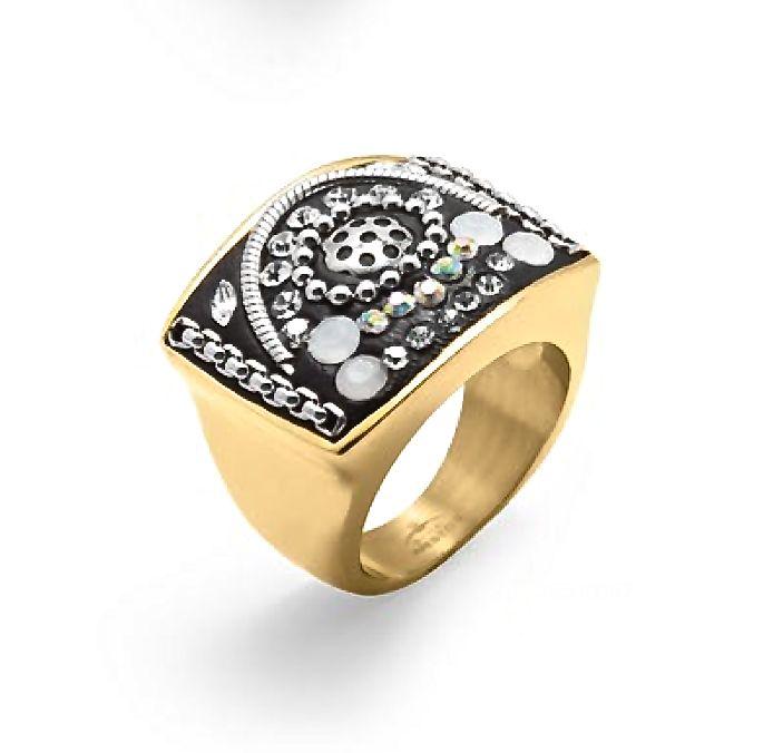 Si una manicura bien hecha hace que tus manos luzcan ardientes con este #anillo de #acero la complementaras a la perfección.