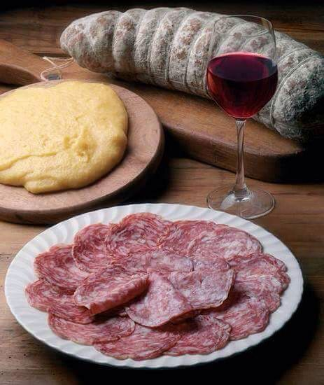 Polenta, sopressa e vino rosso by Silvana Comiotto