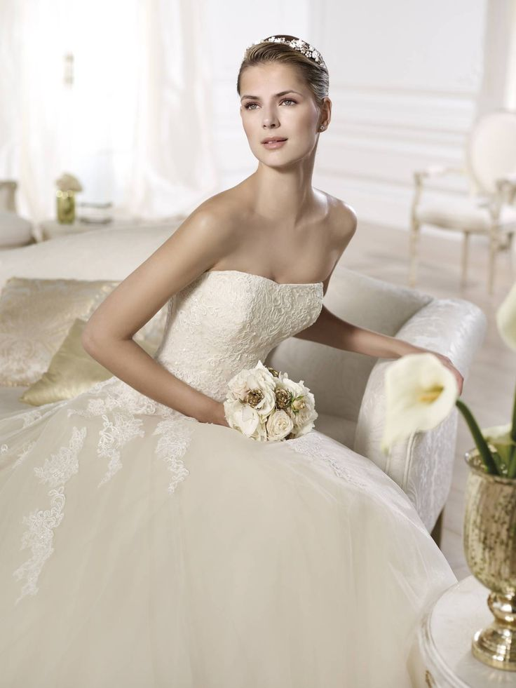 Octavia esküvői ruha by Pronovias 2015 http://lamariee.hu/eskuvoi-ruha/pronovias/octavia