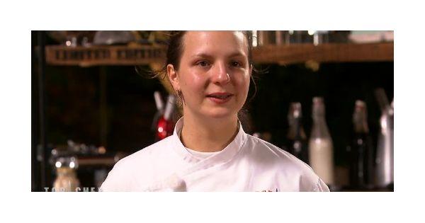 Top Chef 2016 : Joy Esther éliminée, quatre duels féroces, Coline prise au piège Check more at http://people.webissimo.biz/top-chef-2016-joy-esther-eliminee-quatre-duels-feroces-coline-prise-au-piege/