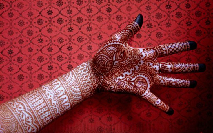 How to make henna/mehndi darker on your skin?Tested & Working Tips