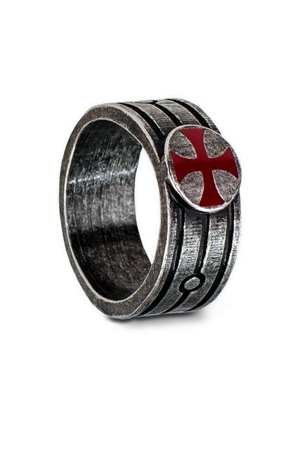 Pay allegiance to the Templar order with the Assassin's Creed-Templar Ring.