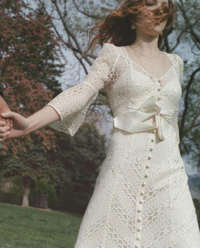 20 Long-Sleeved Wedding Dresses via Brit + Co.