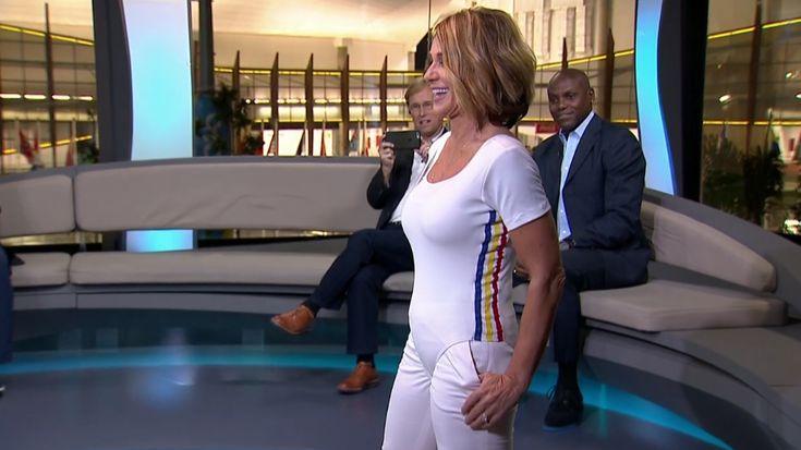"""Americano dá collant idêntico ao usado por romena em Montreal e faz pedido: """"Agora vai vestir e fazer exercício"""". Aos 54 anos, ex-ginasta aceita o desafio e é aplaudida"""