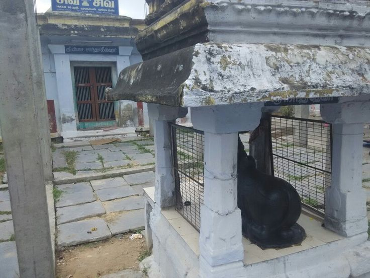 Chaandaleeswarar temple at the back side of pachayappas women college kanchipuram www.tamiltour.com