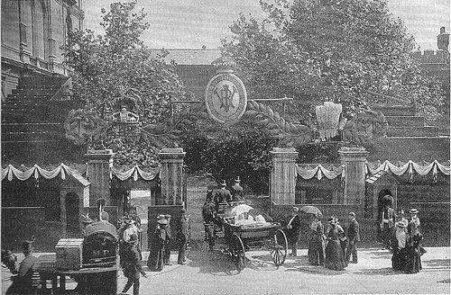 Marlborough House  his is the Pall Mall entrance to Marlborough House on the afternoon of Tuesday 22nd June 1897, Queen Victoria's Diamond Jubilee celebrations. The children in the carriage are the sons of the Duke of York, that is the future Kings, Edward VIII and George VI .