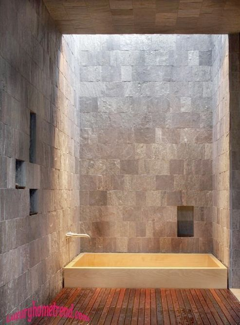 Sunken tub with skylight