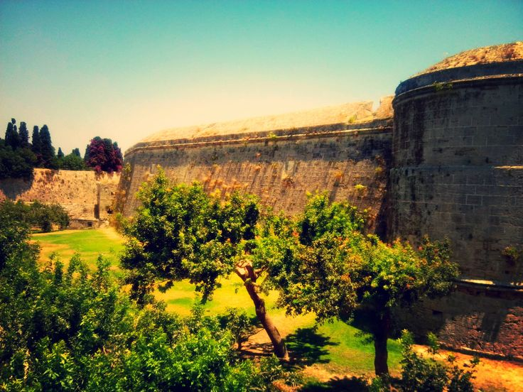 it might be mistaken for the Maltese Bastions but it is not... this is Rhodes