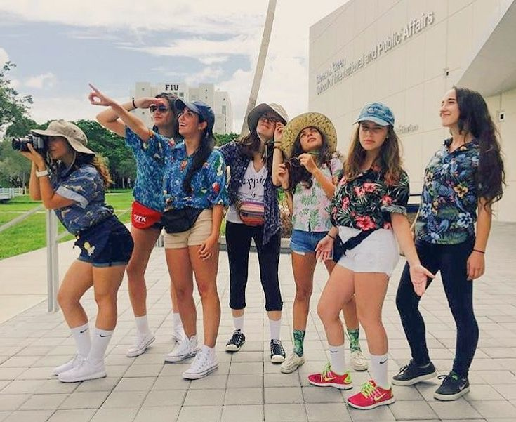 Best 25+ Tacky Tourist Costume Ideas On Pinterest | Tourist Party Costume Tacky Tourists And ...