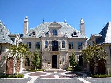 108 best images about exteriors on pinterest front for Classic house french kiss
