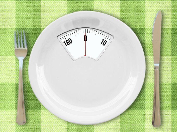 Todas hemos oído hablar de los trastornos de la alimentación. Es más, seguro que conocemos a alguien que haya padecido de anorexia, sea vigoréxico, o sepa lo que es la bulimia en carne propia. Sin embargo, existen otros trastornos alimenticios o nutricionales de los que se habla menos, pero no por ello, debemos desconocer.