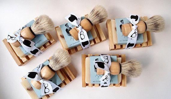 Groomsmen Gift Mens Shaving Set Mens Grooming Kit by aidebodycare