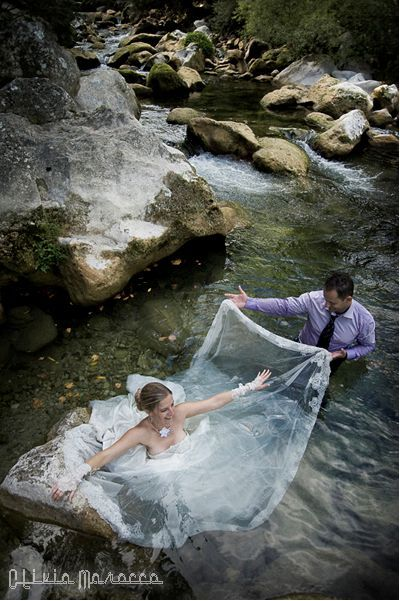 Trash the dress, cute wedding photo-shoot idea.