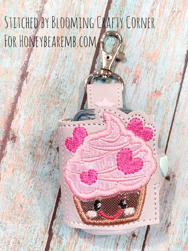 Hand Sanitizer Sani Wrap Holder Kawaii Cupcake 5x7 Single Hooping