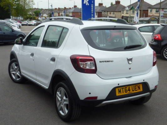 Used 2015 (64 reg) White Dacia Sandero Stepway 0.9 TCe Laureate 5dr for sale on RAC Cars