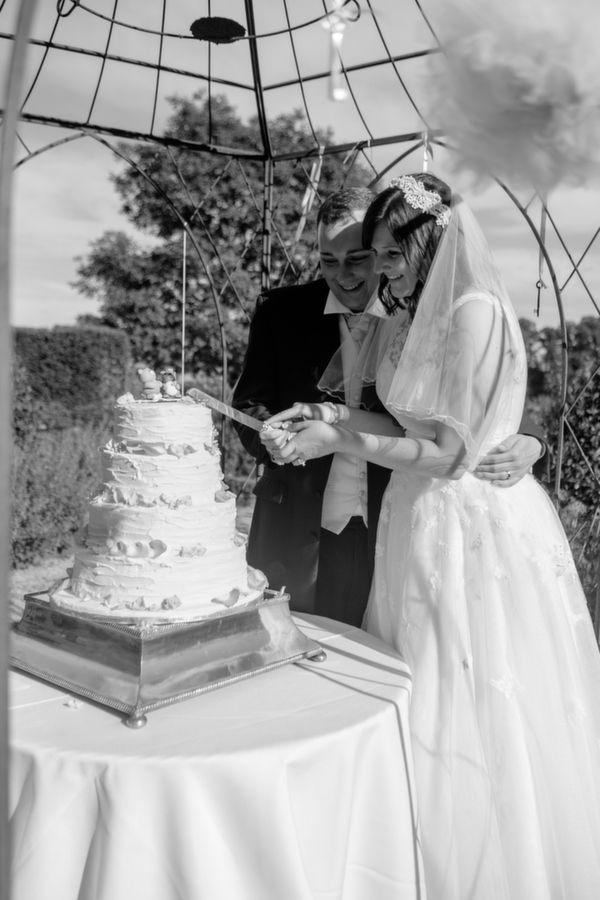 Pastel Homemade Walled Garden Wedding http://www.suekwiatkowska.com/