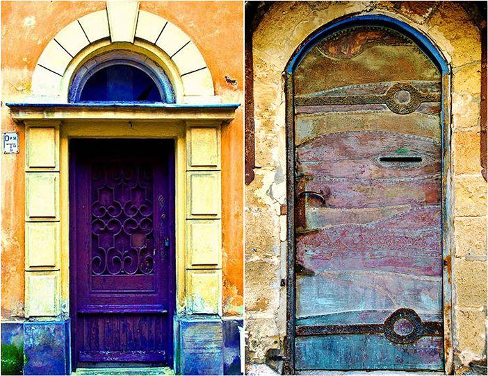Around The World: Amazing DOORS