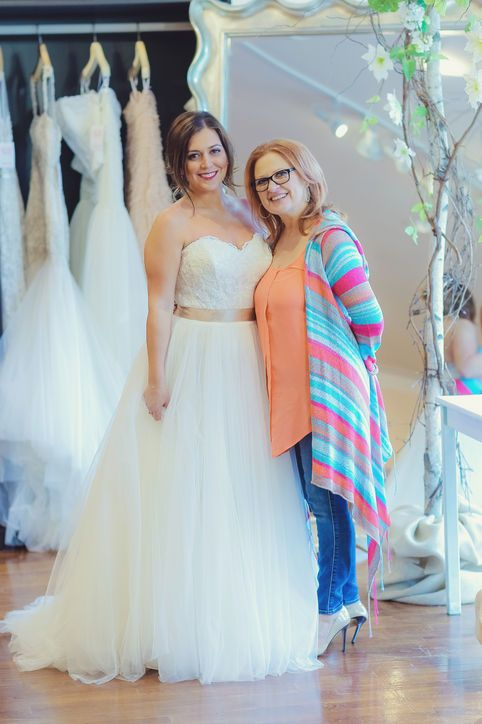 rhonj 39 s lauren manzo tries on wedding dresses with glamour