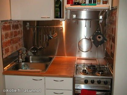 Compact kitchen with industrial feel / Kompakti pikkukeittiö teollisella vivahteella #tehoneliöt