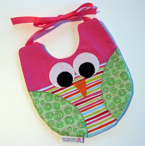 May have to make this for the little one!!  Owl Bib